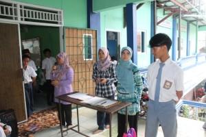 Pembukaan Acara oleh Pembina OSIS SMK Yasiska